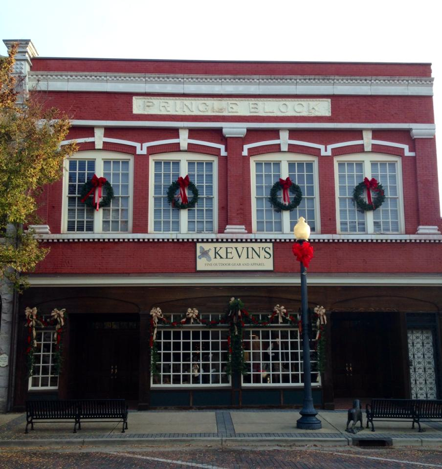 Kevin's of Thomasville, GA decked out for Christmas!